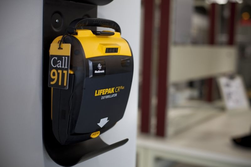 LIFEPAK CR Plus Fully Automatic AED 1